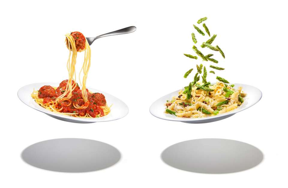 Lucas Zarebinski photography - Flying Pasta